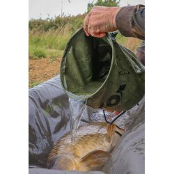 Fox Collapsible Water Bucket - Large