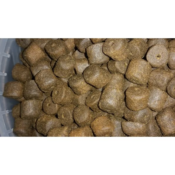 Coppens 1kg Pellet 14 mm Black Halibut Taladrado